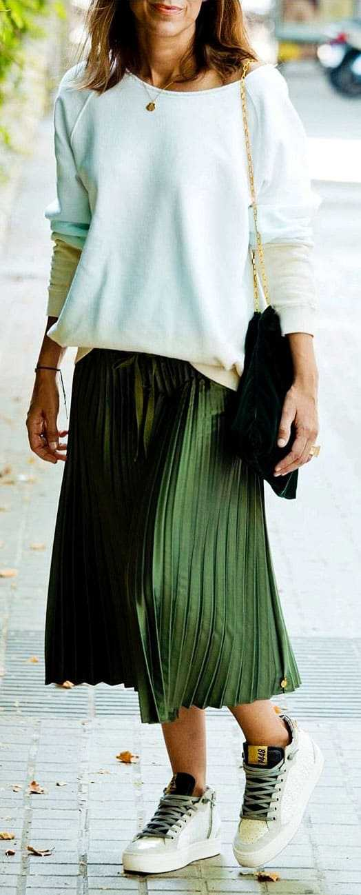 44 T-shirt And Skirt Outfit ideas | Lady ideas